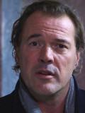 """Macht auch als Moderator in ZDF-Dokus (""""Terra X: Superbauten"""") eine gute Figur: Sebastian Koch."""