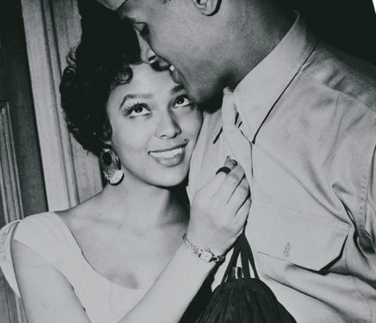 Carmen (Dorothy Dandridge) becirct Joe (Harry