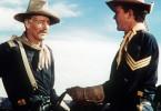 Ich muss hier für Frieden sorgen! John Wayne (l.) als Hauptmann