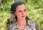 Bei was für misstrauischen Menschen ist Johanna (Katharina Böhm) nur gelandet?