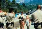 Ihr habt aber komische Fotoapparate! Paul Hogan in  L.A.
