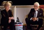 Nach vielen Jahrzehnten sprechen sich Margarete Kämmerer (Christiane Hörbiger) und Martin Burian (Mario Adorf) endlich aus