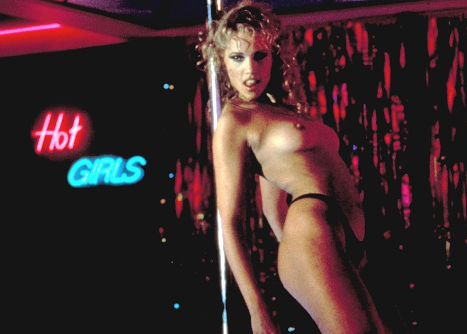 Elisabeth berkley dans showgirls - 3 part 2