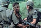 Robert De Niro (M.) erlebt die Schrecken des Krieges