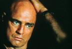 Auch mit Glatze beeindruckend: Marlon Brando als US-Colonel E. Kurtz