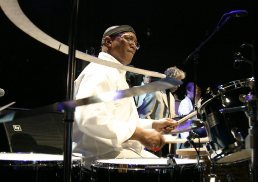 Schlagzeug-Genie Billy Cobham in Aktion
