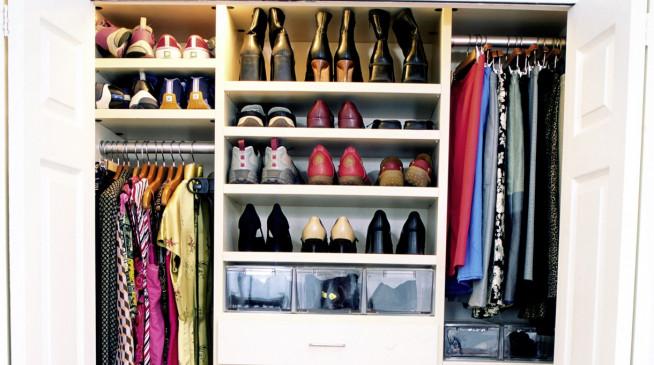 nie wieder chaos im kleiderschrank bringen sie system in ihren haushalt. Black Bedroom Furniture Sets. Home Design Ideas