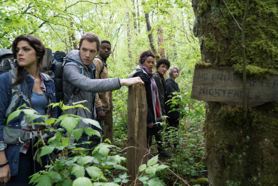 "Lisa (Callie Hernandez), James (James Allen McCune), Peter (Brandon Scott), Ashley (Corbin Reid), Lane (Wes Robinson) und Tamara (Valorie Curry) in ""Blair Witch""."