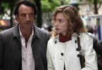 Philippe (Bruno Todeschini) und Barbara (Pascale Arbillot) fühlen sich in ihrer neuen Umgebung sichtlich unwohl