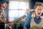Dolores (Kathy Bates) wurde von ihrem Mann (David Strathairn) misshandelt