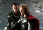 Tolle Klamotten: Chris Hemsworth (r.) als Thor