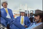 Burt Reynolds (r.) lässt sich als Bandit auf eine verrückte Wette ein