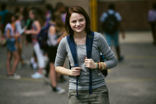 Brooklyn Harding (Joey King) ist fasziniert.
