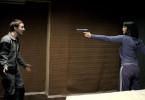 Alice (Gemma Arterton) dreht den Spieß um und demaskiert Danny (Martin Compston), einen ihrer Entführer