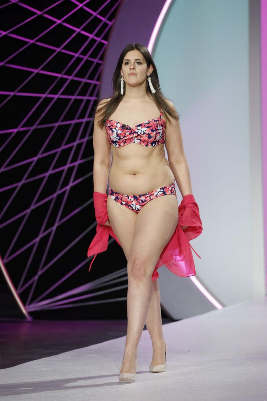 curvy modell