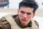 Der junge Soldat Tommy (Fionn Whitehead) versucht, der Hölle von Dünkirchen zu entkommen.