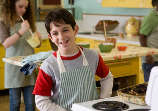 Grinsemann am Herd! Zachary Gordon als Greg