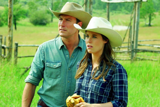Willa (Ashley Williams, Foto mit John Corbett)