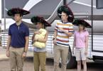 Familie der anderen Art: David (Jason Sudeikis), Rose (Jennifer Aniston), Kenny (Will Poulter) und Casey (Emma Roberts)