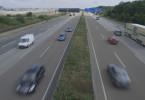 Wie schnell fahren die Deutschen auf der Autobahn? Laut Bundesverkehrsministerium werden diese Daten nicht erfasst. Die BAST hat die Durchschnittsgeschwindigkeit auf der Autobahn zuletzt 1992 erhoben, damals lag sie bei 120 km/h. Seitdem gibt es nur noch Stichproben. Sie legen nahe, dass die Durchschnittsgeschwindigkeit gestiegen ist.
