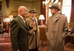Dr. Cawley (Ben Kingsley, l.); Chuck Aule (Mark Ruffalo, m.); Teddy Daniels (Leonardo DiCaprio, r.).