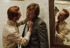 Der korrupte Polizist Bob (Sean Harris) setzt seinen Kollegen Dick (Shaun Dooley) unter Druck.