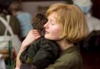 Die junge Philomena (Sophie Kennedy Clark) liebt ihren kleinen Sohn.