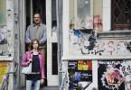 Sie haben sich inzwischen angefreundet: Der Buchhändler Peter Jordan (Götz George) und seine Praktikantin, die Schülerin Jessica (Carolyn Grenzkow).