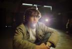 Brendan Frye (Joseph Gordon-Levitt) ist auf der Suche nach dem Mörder seiner Ex-Freundin Emily.