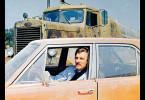 Beim Duell zwischen dem Handelsvertreter David Mann (Dennis Weaver) in seinem Auto und dem nicht sichtbaren Fahrer im Tanklaster kann es nur einen Sieger geben.