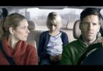 Zwischen Helene (Lisa Martinek, li.), Maja (Alisa Nagel, Mi.) und Theo (Tim Bergmann, re.) herrscht auf der Heimfahrt dicke Luft.
