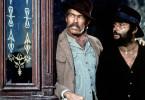 Sean Mallory (James Coburn, li.) und Juan Miranda (Rod Steiger, re.) streiten sich, weil die Tresorräume der Bank von Mesa Verde kein Geld, sondern 320 Patrioten beherbergten.