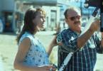 Mit Hilfe der Kellnerin Lori (Robin Wright Penn, l.) versucht Jerry (Jack Nicholson, r.), das Verbrechen aufzuklären.