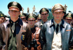 Die beiden Freunde Danny Walker (Josh Hartnett, l.) und Rafe McCawley (Ben Affleck, r.) zählen zu den absoluten Assen ihrer Fliegerstaffel im Ausbildungslager der U.S. Air Force.