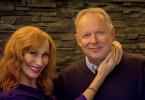 Gundula (Andrea Sawatzki, l.) und ihr Mann Gerald (Axel Milberg, r.) lieben sich. Doch beim Weihnachtsfest mit der Familie schlittern sie in eine Ehekrise.