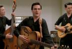Mitte der 50er Jahre träumt Johnny Cash (Joaquin Phoenix, Mitte) davon, Musiker zu werden.