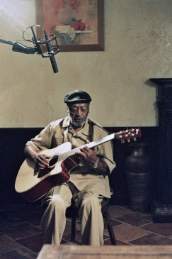 Blues-Sänger und Gitarrist Robert Lockwood Junior