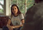 Die Studentin Aurora (Ivana Baquero) hat sich auf ein sexuelles Abenteuer mit ihrem Halbbruder eingelassen. Ihre Mutter schickt sie daher zu einem Therapeuten.