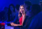 Barbara (Scarlett Johansson), die Frau, die alle überstrahlt.