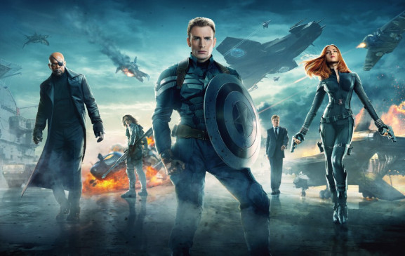 V.l.: Nick Fury (Samuel L. Jackson), Winter Soldier (Sebastian Stan), Captain America (Chris Evans), Alexander Pierce (Robert Redford), Black Widow (Scarlett Johansson)
