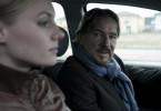Lena Frey (Rosalie Thomass) zusammen mit Bruno Theweleit (Götz George), der nur widerwillig den angeordneten Personenschutz akzeptiert und der jungen Kollegin mit seinem geheimnisvollen Verhalten das Leben schwer macht.