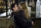 Der Killer Ray (Colin Farrell) lernt in Brügge die charmante Chloe (Clemence Poesy) kennen.