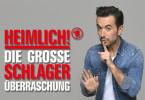 Das gab's noch nie: Florian Silbereisen bereitet ganz HEIMLICH! - DIE GROSSE SCHLAGER-ÜBERRASCHUNG vor. Gemeinsam mit vielen Stars plant er die geheimnisvolle Live-Show. Eine Gemeinschaftsproduktion der ARD und des ORF im Zusammenarbeit mit Jürgens TV.