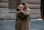 Leo Demidow (Tom Hardy) will seine Frau Raisa (Noomi Rapace) vor dem Zugriff der sowjetischen Geheimpolizei schützen.
