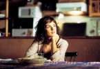 Die junge Lucía (Paz Vega) möchte die Geheimnisse um ihren Geliebten Lorenzo ergründen.