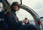 F.E. Cochrane (Malcolm McDowell) handelt in eigenem Interesse. Um sich und sein Vorhaben zu schützen, scheut er keine Mittel.