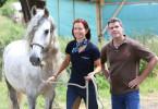 Fotoshooting mit den 'Pferdeprofis' Bernd Hackl und Sandra Schneider