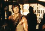 John Rambo (Sylvester Stallone), ehemaliger Elitekämpfer der US-Streitkräfte und verdienter Held des Vietnamkriegs, liefert seinen Verfolgern eine vernichtende Schlacht.