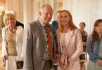 Gundula (Andrea Sawatzki, r.) und Gerald (Axel Milberg, l.) feiern die Hochzeit ihres Sohnes Rolfi. Alles geht schief.