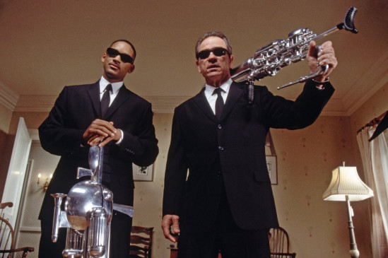 Agent Jay (Will Smith, l.) und Agent Kay (Tommy Lee Jones)